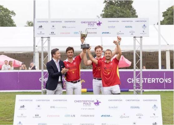 捧起奥运奖杯!麒麟马球队登顶英国国际马球赛
