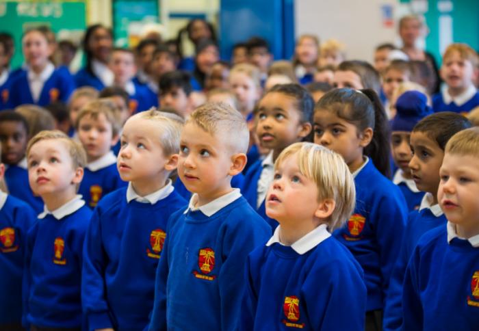 """英国2020年起要给中小学学生开课,辨别何为""""假新闻"""""""