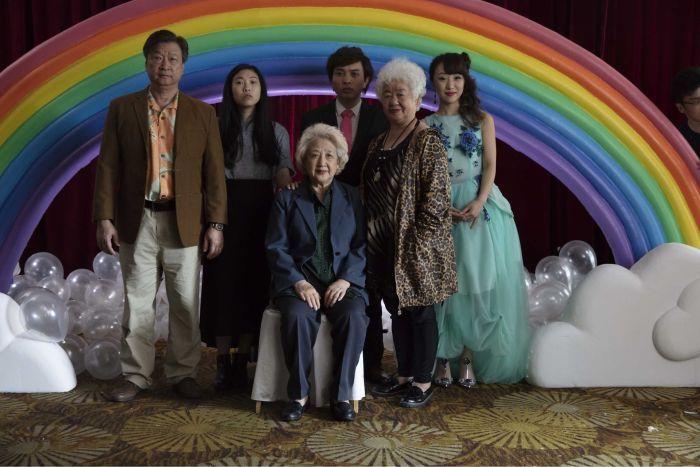 这部电影看哭了英国人!诉说的却是中国家庭的善意谎言