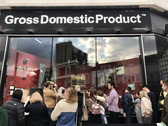"""班克西伦敦开实体店竟是""""被迫营业""""!买家为何越被骂越掏钱?"""