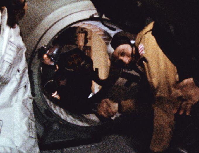 """""""太空行走第一人""""前苏联宇航员阿列克谢·列昂诺夫去世"""