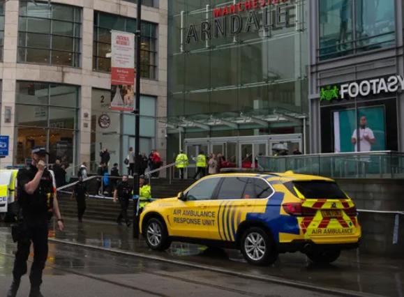 英国曼城发生持刀伤人案 反恐警察将介入