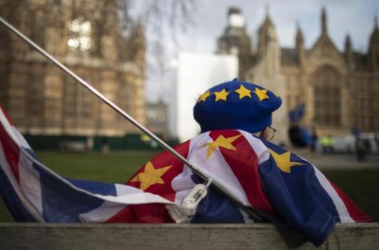 """英国决定""""脱欧""""三年来,人们都经历了什么?亲人反目,旅行减少…"""