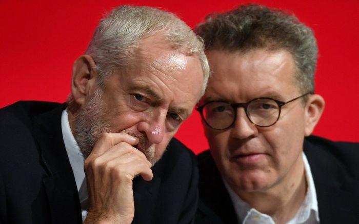"""英最大反对党副党首请辞 工党会否更加""""左偏""""?"""