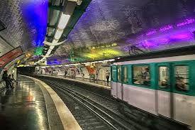 法国巴黎地铁偷盗猛增60% 旅游线路成扒手聚集地