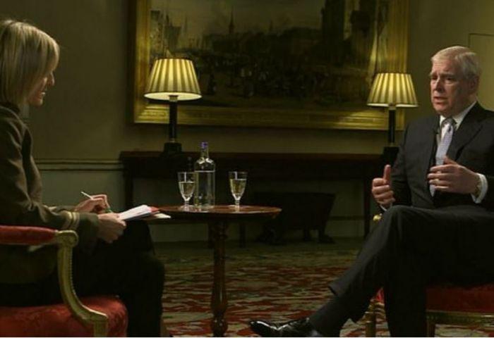"""面对性丑闻,英国安德鲁王子""""灾难性公关""""惹众怒"""