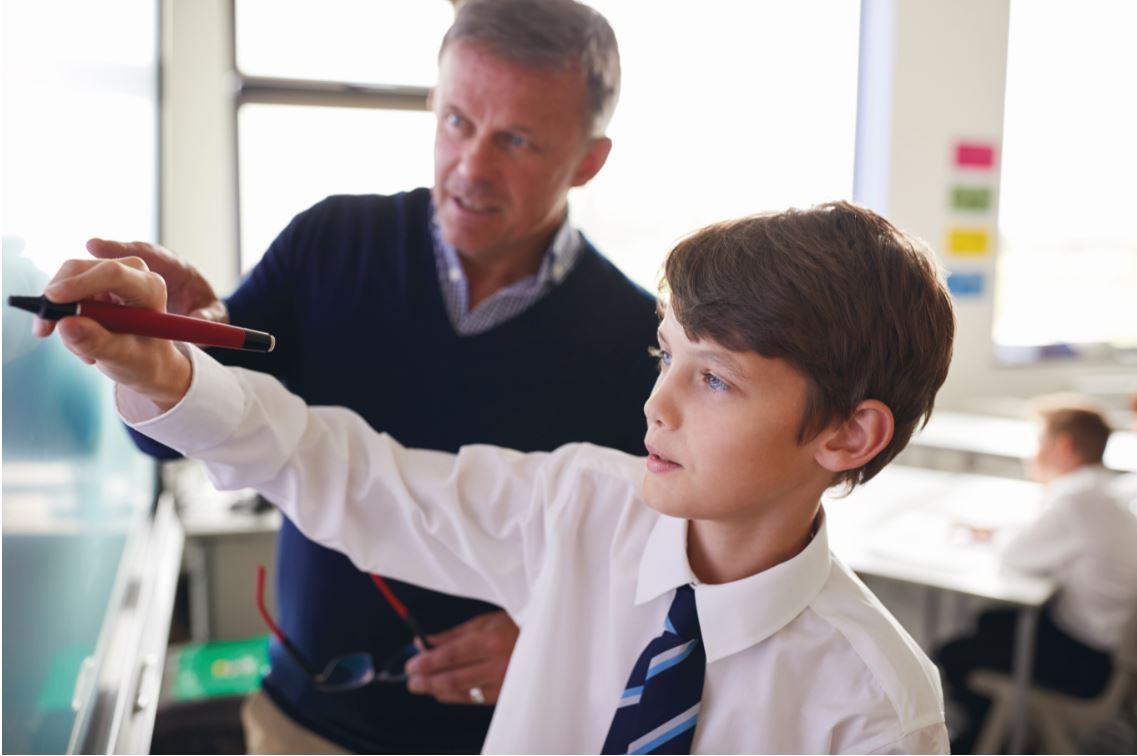 """学校减负,南京家长已疯!欧洲人眼中的""""好教育""""与我们不同?"""