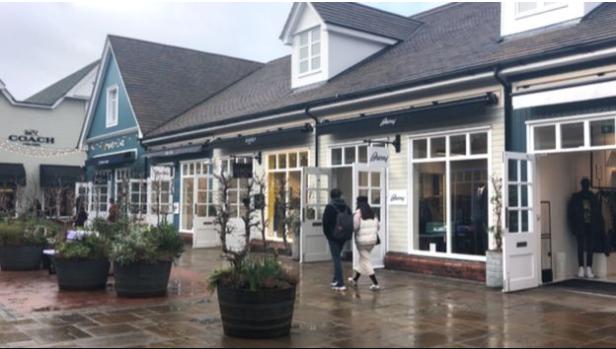 """英国比斯特购物村受疫情影响 奢侈品店""""中国顾客减85%"""""""