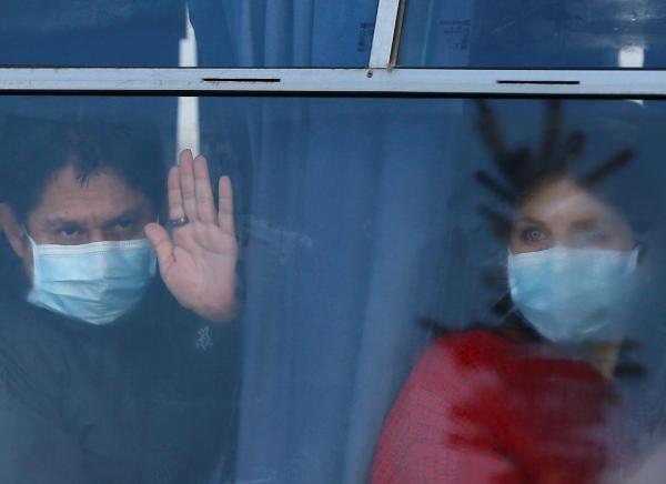 乌克兰从武汉接回72人,去隔离途中遭遇大规模暴力抗议