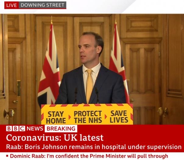 英首相仍在ICU,为何拉布代行职权?他需要跨过这几道坎
