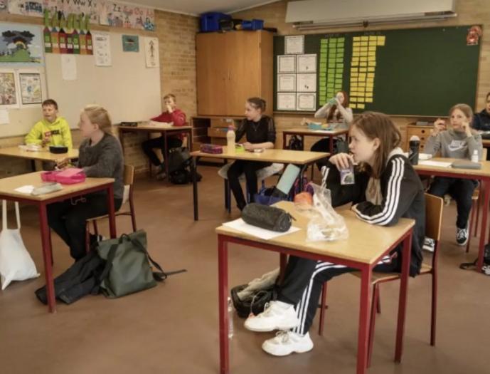 英教师组织反对重开学校计划!做不到这些,别提让师生返校