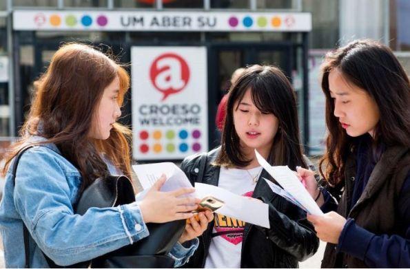 """英国超越美国,成中国学生""""首选留学目的地""""!英大学改革保领先优势?"""