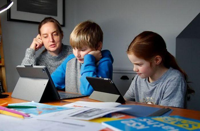 英国教育差距因疫情拉大!富人每周1500镑请私教,穷人没电脑?