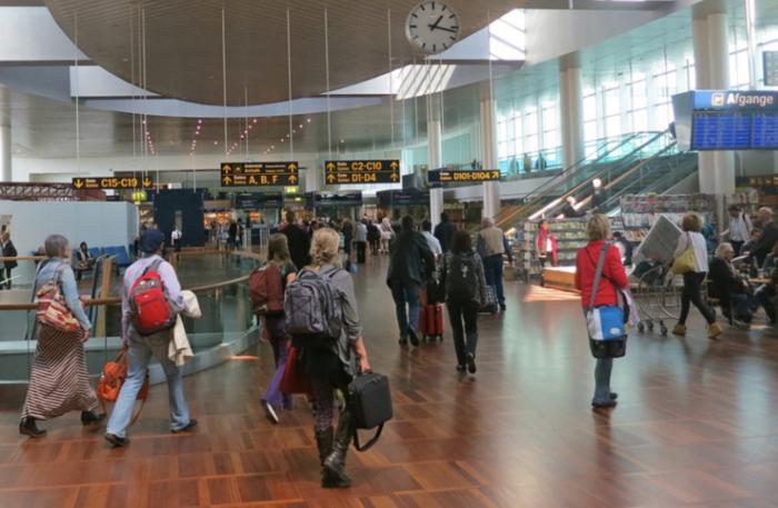 """旅英黄先生亲述:转机回中国,却滞留丹麦机场!只因""""检测错误""""?转机回国需注意这些"""