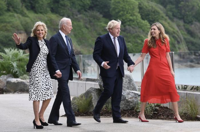 约翰逊邀G7领导人海边BBQ,这很英国?新夫人凯莉国际首秀,显露C位雄心