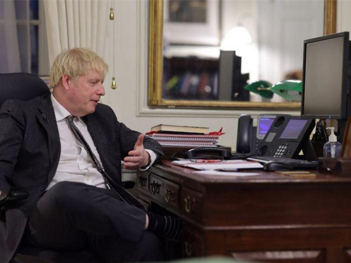 """英媒:首相之位耽误了约翰逊写书?拖稿,寻""""代笔"""",因写书缺席抗疫会议……"""