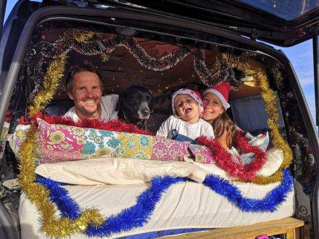 英国又有家长裸辞带娃环游世界!那些娃和家庭,后来怎样了?